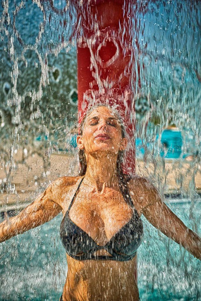 lutter contre la canicule avec une douche